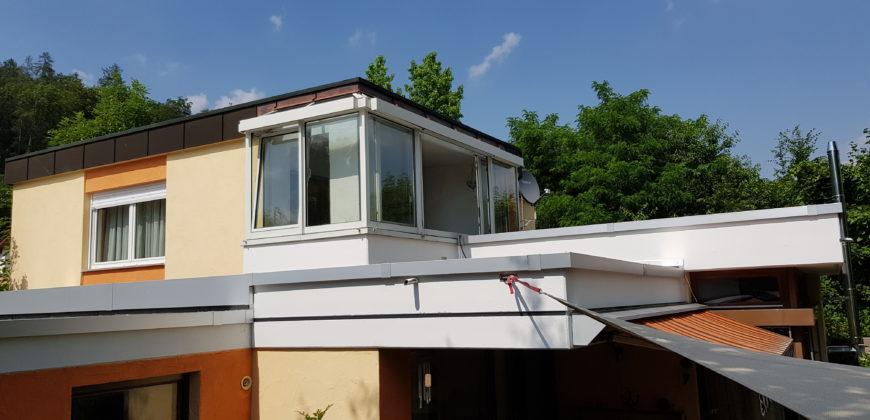 Einfamilienhaus in Ortsrandlage mit vielen Möglichkeiten und Platz für die (Groß-)Familie, erfüllen Sie sich Ihren Traum vom Wohnen!